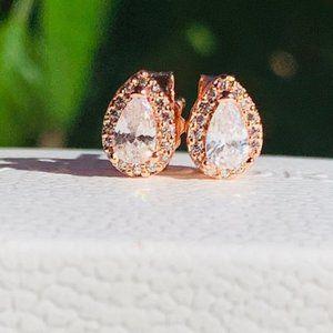 Gorgeous  Rose Gold Teardrop Earrings